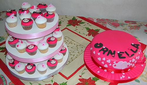 Cupcakes y Torta Decorados