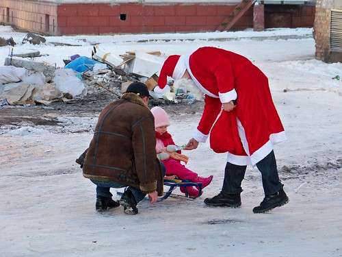 Did Moroz handing out candy on New Year's Day in our neighborhood