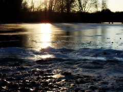 how could ice cold be so pretty? (VCH ) Tags: trees sunset sky sun lake ice water sunshine newjersey pond rocks horizon nj middlesex frozenwater picnik helmetta