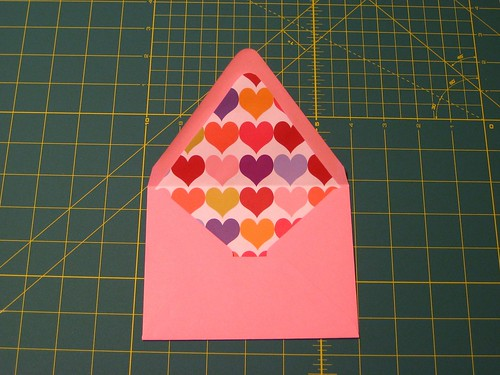 I came across this envelope liner tutorial on Project Wedding and thought it