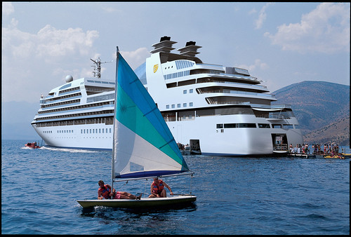 The Odyssey's Marina (artist rendition) por Luxury Cruise Bible.