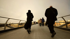 Bridge walk (~FreeBirD~) Tags: life uk bridge england people cold london weather thames river geotagged nikon tate walk live maps crowd snowstorm millenium tatemodern surprise milleniumbridge blackfriars 2009 freebird longshot febraury lovemax manibabbar maniya wwwridingfreebirdcom