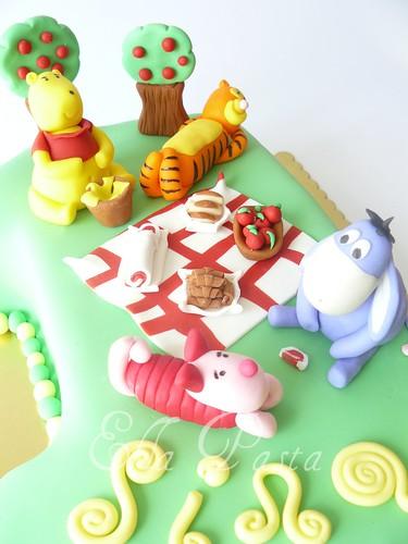 winnie cake 3