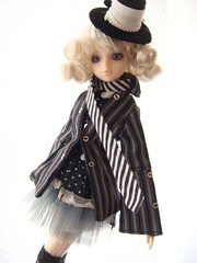 20090518j-doll1 (feather tiara) Tags:  jdoll