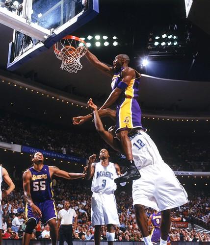 dwight howard dunking on kobe bryant. Kobe dunks on Dwight Howard