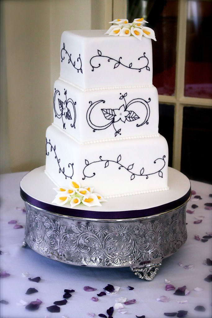 Piped Pattern Wedding Cake