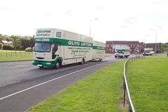 Trucks (Glyn Upton) Tags: truck moving storage lorry transportation vehicle van removals glynupton