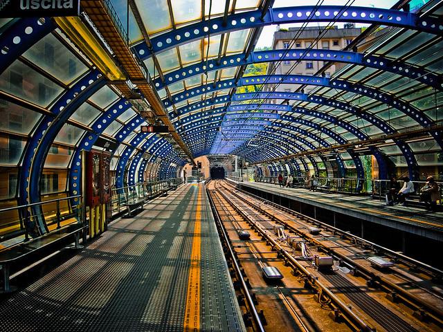 Metro Génova