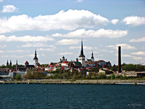 Tallinn, Estonia 027 - Ciudad vieja desde el mar/The Old City view from the sea por Claudio.Ar.