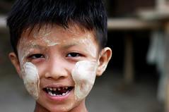 MYA-bagan0605-191-v1 (anthonyasael) Tags: burma myanmar bagan birmanie ミャンマー 缅甸 בורמה 緬甸 미얀마 asael ビルマ 緬甸缅甸 พม่า asiaasian artinallofus мьянма anthonyasael childkidyoungsmallblackstraighthairyellowwhitemask scrubpaintpaintingtraditiontraditionalprotectionbelief boychildsmilesmilingteethmissmissingportrait