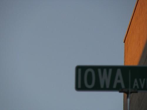 Iowa Avenue sign