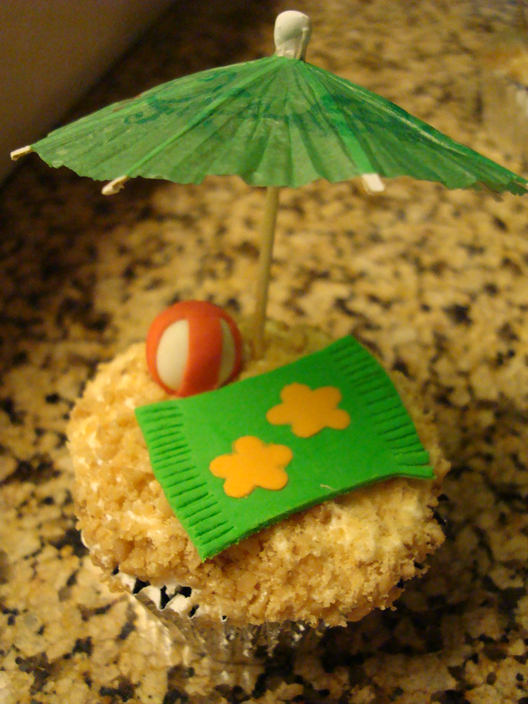 Beach Themed Baby Shower Cupcakes
