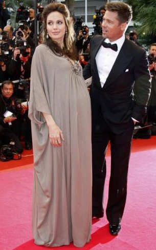 Angelina Jolie Pregnant with Vivienne Marcheline and twin