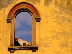 frame (Marsala Florio) Tags: windows sky italy yellow italia amarillo giallo cielo lombardia thewall lecco finestre ilmuro grouptripod