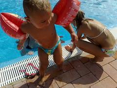 Tommaso in piscina (Ton de Jong) Tags: italia tommaso 2008 villacarolina