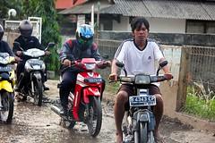 Jakarta streets (Mangiwau) Tags: road street west indonesia java traffic cam jakarta raya jalan scenes indonesian hujan roadcam sepeda tangerang macet motorists banten ciputat