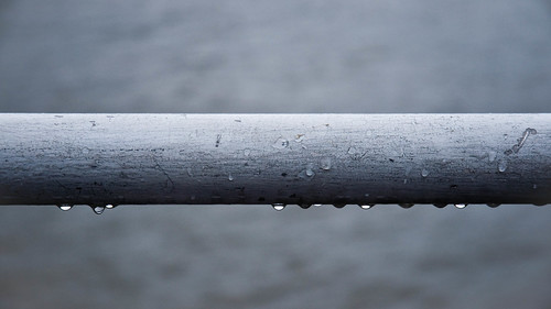 Railing with drops