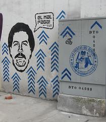 El Mal Paga en Chapinero (Toxicmano) Tags: streetart stencil bogot desorden pabloescobar chapinero toxicmano elpatrn