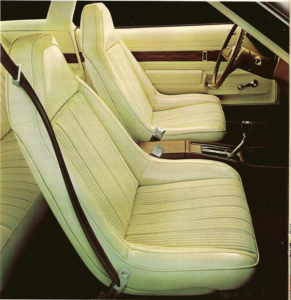 '74 Olds Cutlass S swivel bucket seat interior