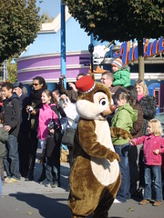 158 (Zippy8374) Tags: paris dale disneyland parade chip chipanddale