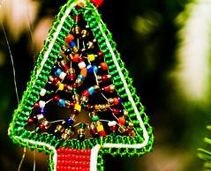 An African Christmas tree (Axel Bührmann) Tags: christmas tree beads african christmastree tinsel johannesburg gauteng fourways kersfees southafricanchristmas 40d 10millionphotos tenmillionphotos canon40d unlimitedphotos axelbührmann christmasinsouthafrica windowsliveessentials2011