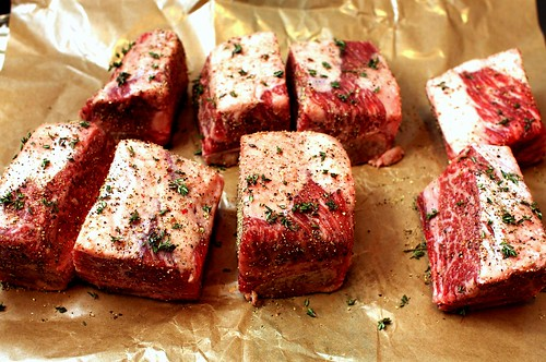 thyme-d and black peppered ribs