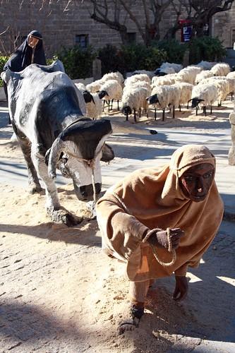 Pastor, vaca y ovejas del Belén Monumental de San Lorenzo de El Escorial