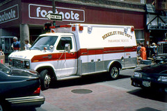 Berkeley, California - USA (1992) (Mic V.) Tags: california blue light rescue usa black ford america truck fire berkeley us force mercury united transport 911 ambulance line lorry vehicle louisville 1992 paramedics states mustang emergency paramedic tempo services unis dept urgence topaz californie econoline amrique footnote etats amerique tats