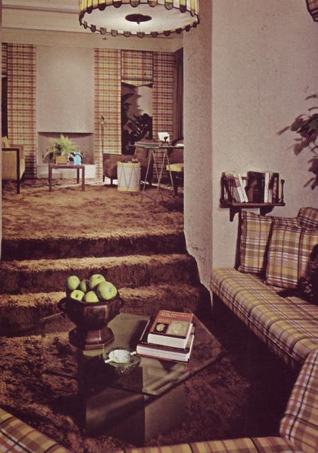 livingroom 1970 1970s plaid interiordesign banquette shagcarpet highpilecarpeting