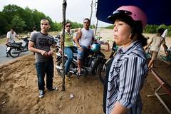 Rest stop in Cn Gi (Eric Wolfe) Tags: road highway vietnamese helmet motorcycles reststop vietnam motorbikes saigon hochiminhcity vitnam sign motorists cangio vnm thnhphhchminh cngi original:filename=200901010135jpg