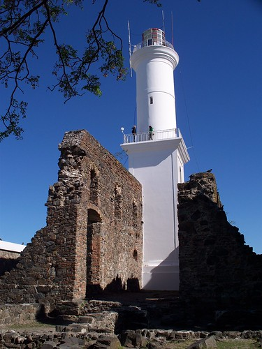 Faro de Colonia | Colonia Lighthouse by katiealley on Flickr