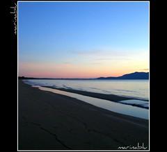 dolci sfumature... (marina bertone) Tags: silhouette marina mare cielo azzurro spiaggia sabbia maremma argentario cielorosato spiaggiadellosa marinablu ilsoleappenatramontatoallemiespalle dolcisfumature unadolceemalinconicaatmosfera