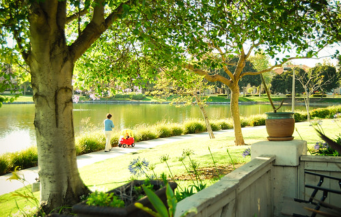 El paseo alrededor del lago
