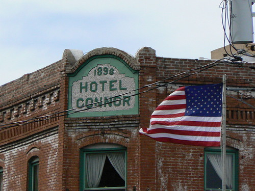 Hotel Connor and American Flag