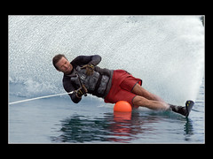 In Extremis (guenterleitenbauer) Tags: pictures art sports nature water sport speed austria sterreich google wasser flickr force power image bend action kunst fineart extreme natur fine picture images spray fotos com imaging bild 2008 bilder waterski wasserski gnter extrem geschwindigkeit waterskier fischlham spritzen buoyant fotografien guenter aplusphoto leitenbauer wasserschi wwwleitenbauernet wasserschifahrer obrsterreich innenlage