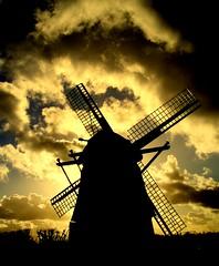 Windmill9 (Gert *1957*) Tags: sky lake holland haarlem windmill clouds canon rebel canal pond kiss meer nederland picasa wolken chapeau lucht polder plas hemel molen ringvaart molenplas superaplus aplusphoto theunforgettablepictures platinumheartaward theperfectphotographer atqueartificia