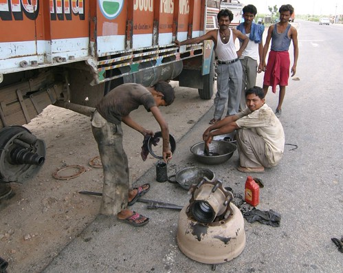 Indian trucking roadside repairs