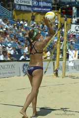 Misty May-Treanor AVP Crocs Open Mason Ohio 2007 (John Barrie Photography) Tags: ohio mason oh avp crocs goldmedalist harpo sandvolleyball masonohio kerriwalsh beijingolympics womensvolleyball mistymayteanor oparah oparahwhinfrey johnbarrie johnbarriephotography velocityphotography