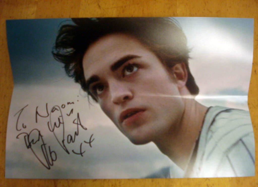 Robert Pattinson sent me back an autograph!