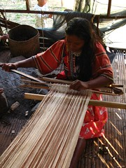 raw cotton weaving (casratz) Tags: weaving manobo matigsalugmanobo cottonweavingmanobophilippinetribematigsalugbukidnonvalenciabukidnonvalenciatribotribescassyasadssxusocioanthro