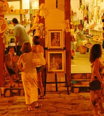 vamos s compras (Edison Zanatto) Tags: brazil southamerica brasil laranja artesanato noturna pirenpolis pirinpolis gois americadosul sdamerika centrooeste nikond200 regiocentrooeste continentesulamericano edisonzanatto