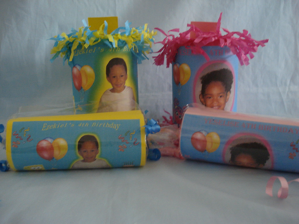 PICTURE PARTY FAVORS