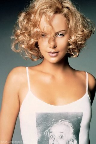 Charlize Theron Cute Curly hair Blonde bob (photo)