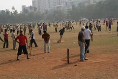 散策中に見つけた公園。クリケットが盛んに行われていた。