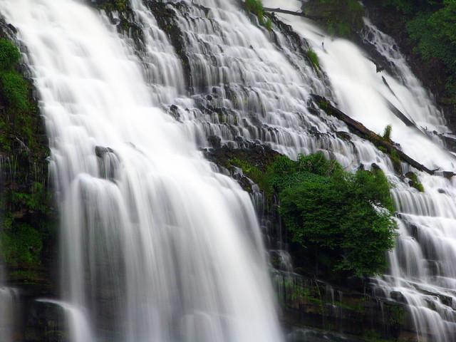 Twin Falls 3 - Closeup