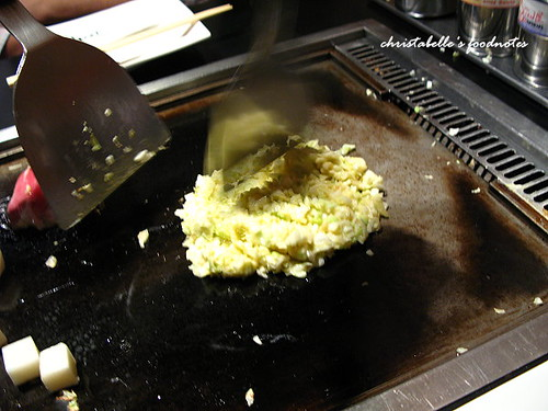 ten屋豬肉起司麻糬好吃燒製作中