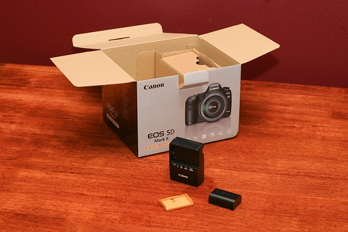 Canon 5D Mark II Unboxing 15