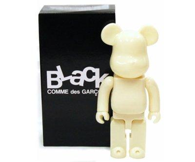 black_comme_des_garcons_bearbrick_01_400