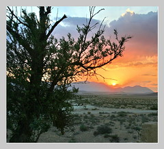 Sunsse  (Syriya) (SWAIDAN  to Syria  G.W.L.K_) Tags: city sunset nature colors beautiful night clouds canon cloudy explore syria kuwait eso cloudiness admirable baterfly kartpostal bej swaidan skycloudssunni