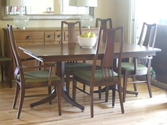 New to Us Table & Chairs